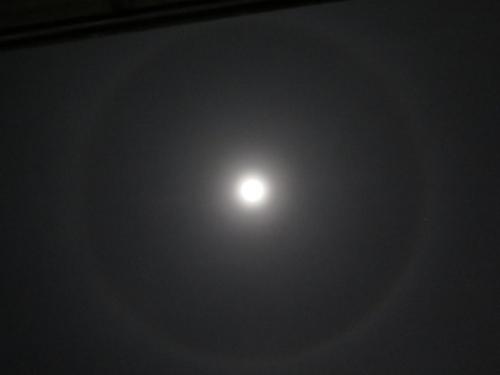 月食後の満月