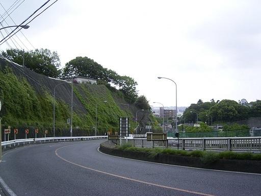 横浜新道より遠景