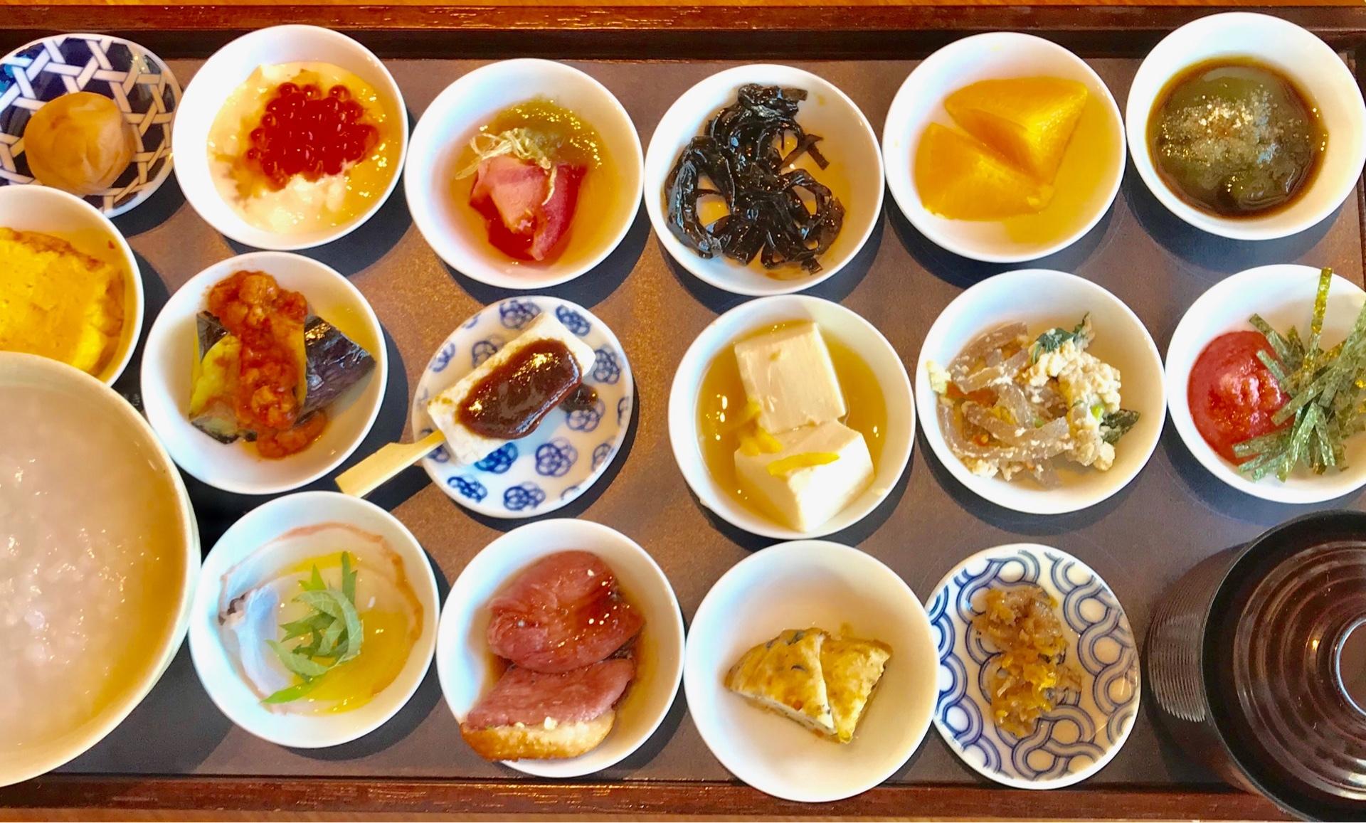 築地本願寺カフェで朝食2