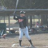 5回表、先頭の神田が安打で出塁