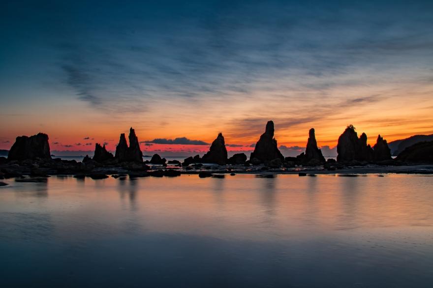 紅の夜明 橋杭岩