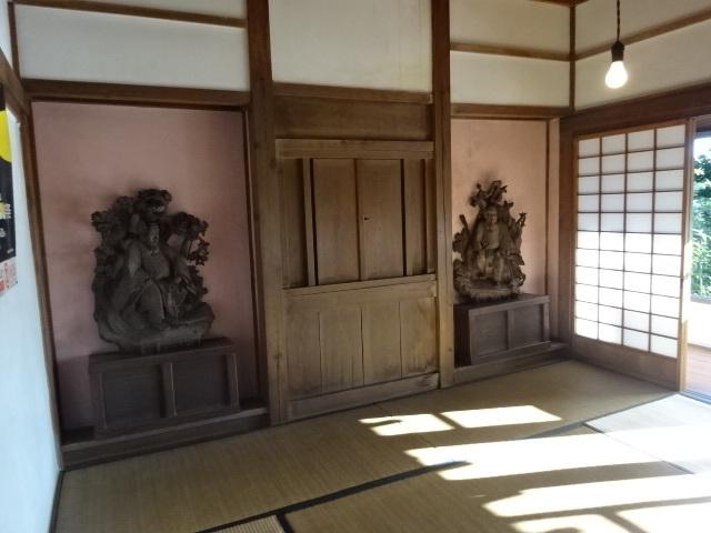 意富比神社の灯明台 1階