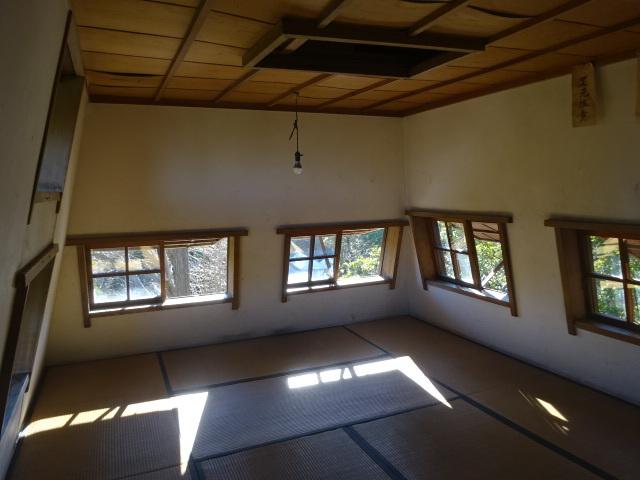 意富比神社の灯明台 2階
