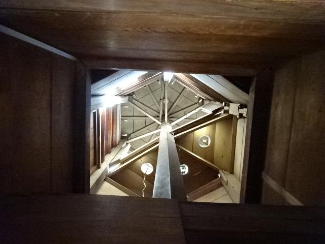 意富比神社の灯明台 塔室