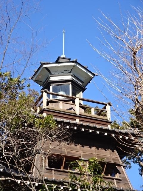 意富比神社の灯明台 全体