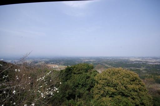四王寺山から見た新羅方面