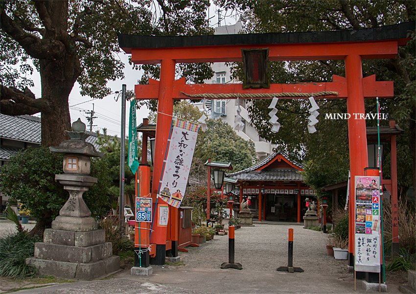 源九郎稲荷神社 鳥居