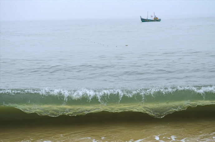 fishing_boat_free_photo.jpg