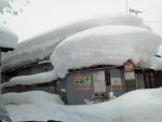 2018年2月13日・たぶん空き家の屋根と雪