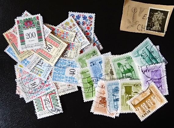 ハンガリー刺繍&椅子切手