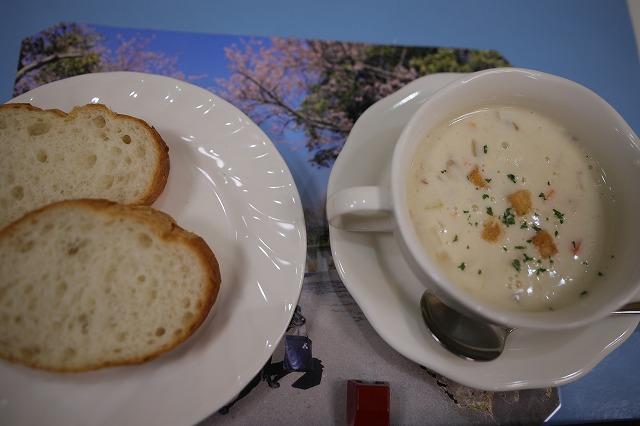 2日目パンとスープ