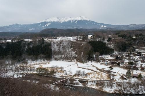早春の開田高原と御嶽山