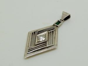 ダイヤのネックレスBefore1