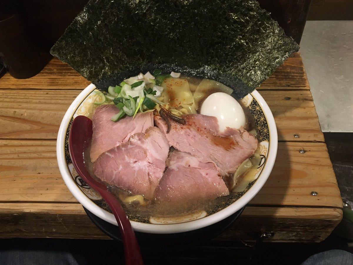 ⑥すごい煮干ラーメン凪 新宿ゴールデン街店本館04