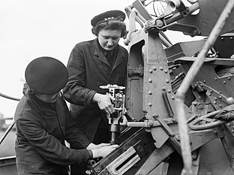 340px-The_Womens_Royal_Naval_Service_during_the_Second_World_War_A15161.jpg