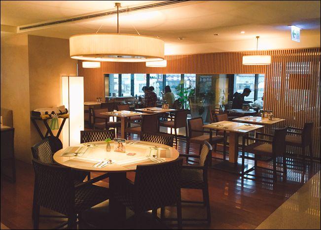 ホテルレストラン1