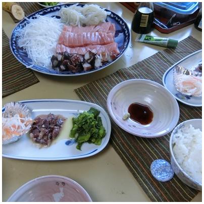 お昼ごはん(お刺身2)