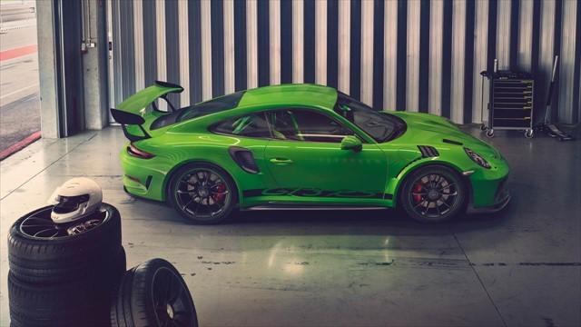 Porsche 911 GT3 RS-1_S-size