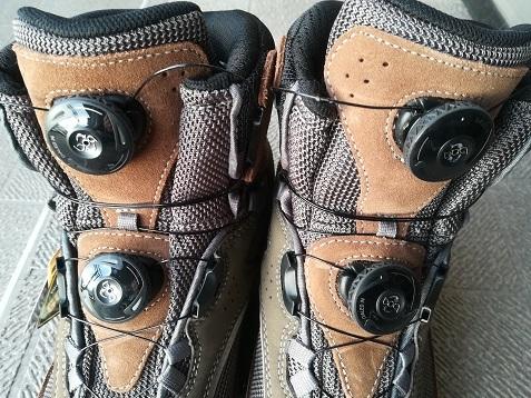9 靴紐がない リールアジャスト方式