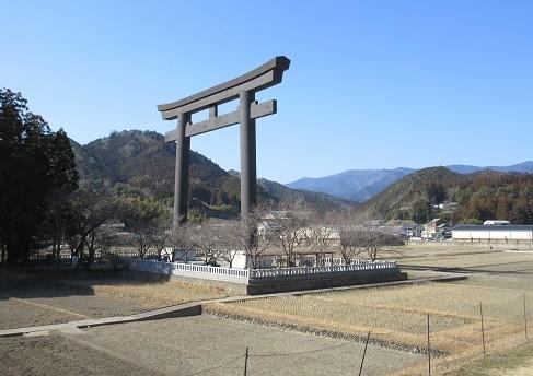 12 熊野本宮大社の大鳥居