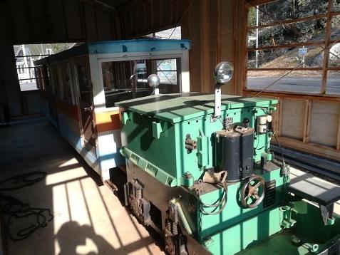 4 トロッコ列車