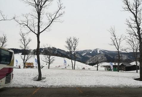 15 バス乗場からの全景