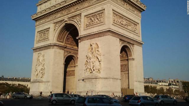 paris-arc-de-triomphe-cnn.jpg