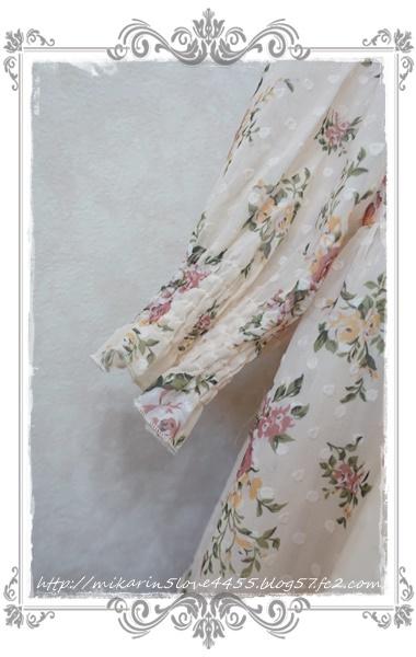 0203ドビー花柄ワンピース(生成り)袖