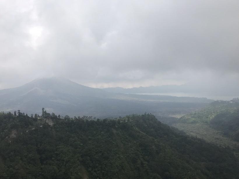 2018 インドネシア バトゥール山と湖