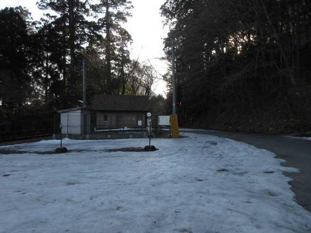 IMG4849JPG残雪の豊前坊