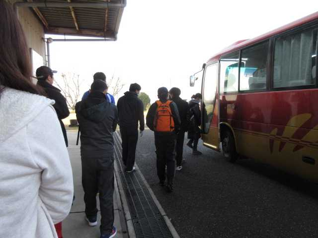 IMG4973JPG会場へシャトルバス