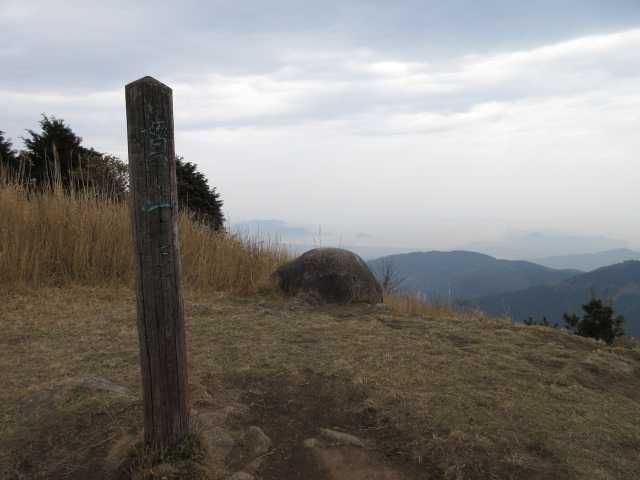 IMG_5522JPG曇天の貫山山頂