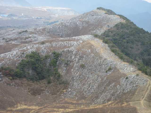 IMG_5537JPG小穴と大平山