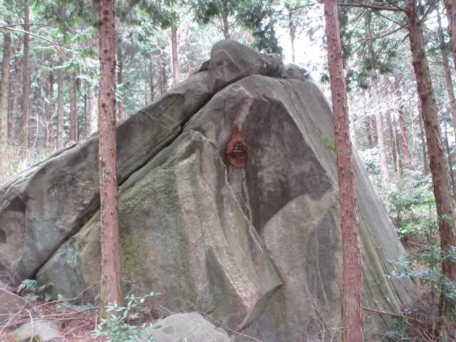 IMG_5579JPGメクラ谷の大岩