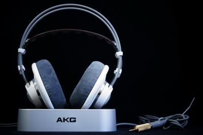 AKG K701