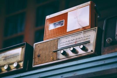 壊れかけのラジオ