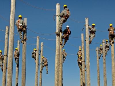オーディオオタ「マイ電柱設置したら音が激変した」←これぜっっったいおかしいだろ!!