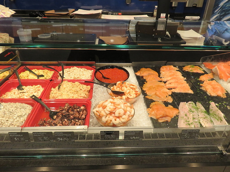 エスポー Iso Omena K‐Supermarket Kalatiski 魚コーナー