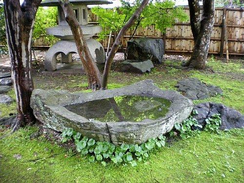 南昌荘・庭石2