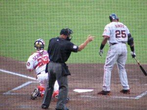 04b 300 183b umpire signal