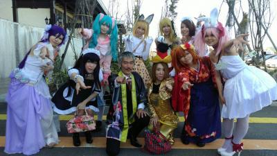 羽猫つばさのブログ。ひげ紳士と9人のコスプレイヤー達、ミッドガーデン上越店で撮影