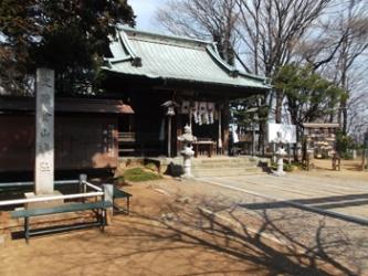 山頂にある新田神社