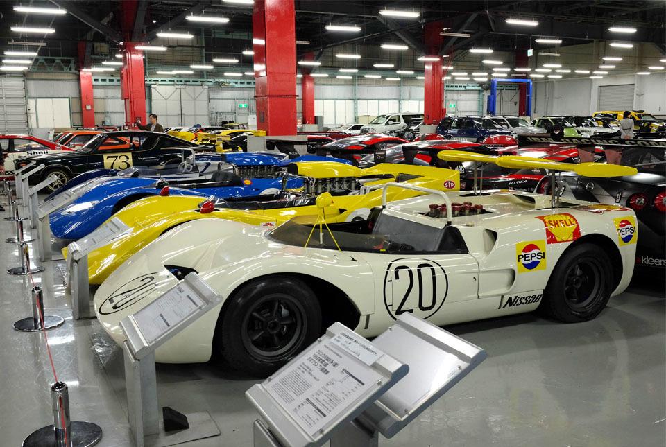 0739 レースカー群 960×645