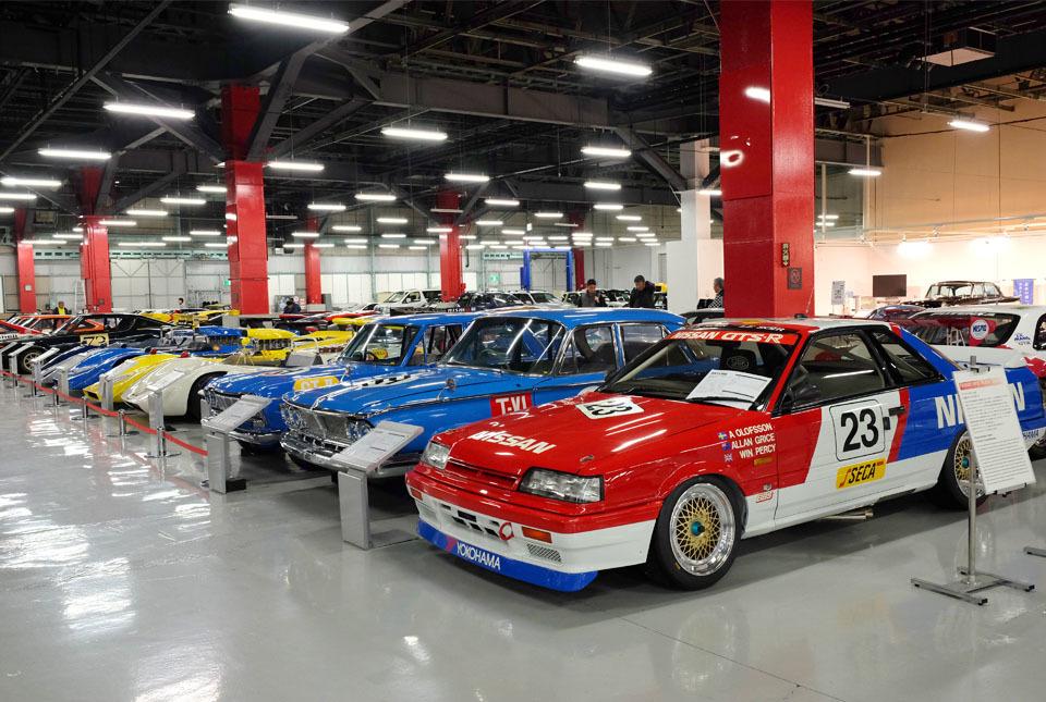 0742 レースカー群 960×645