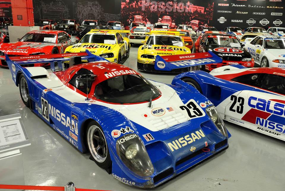 0832 レースカー群 960×645