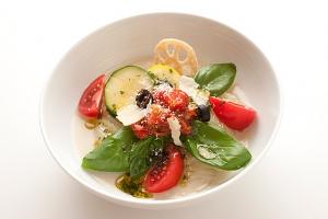 ベジタブルトマトバジル冷麺