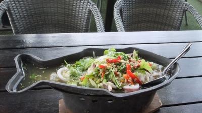 パタヤ マッサー娘とサンダレー昼食  (3)