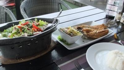 パタヤ マッサー娘とサンダレー昼食  (5)