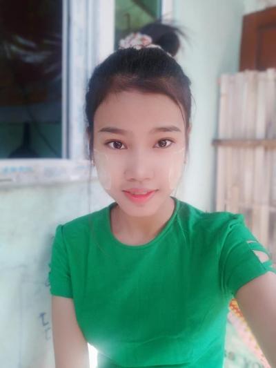 ミャンマー ヤンゴン Su Myat May6  (1)