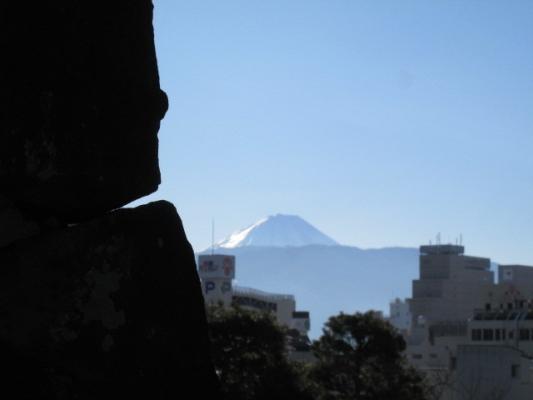 IMG_石垣と富士1588